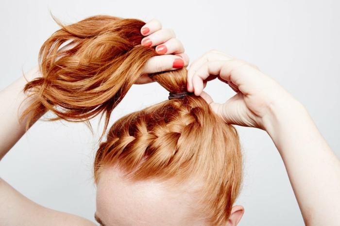 peinados con trenzas para cualquier ocasión, peinado moderno con trenza holandesa vertical