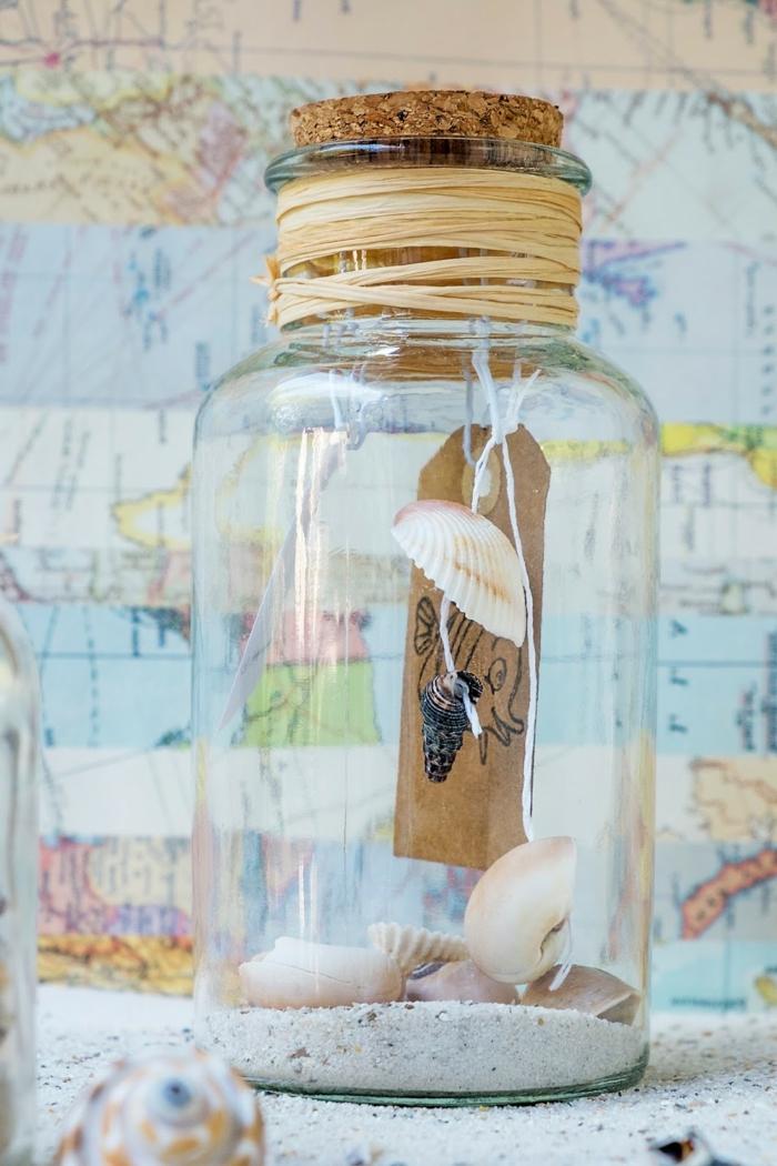 manualidades con rollos de papel, botellas plásticas y tarros de cristal, bonita decoración para tu casa