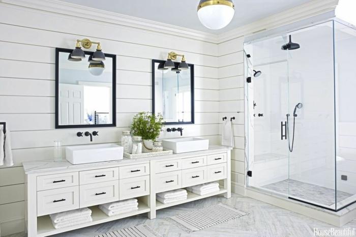 cuartos de baño fotos, preciosa decoración con dos espejos modernos marcos negros, elementos en dorado y cabina con ducha