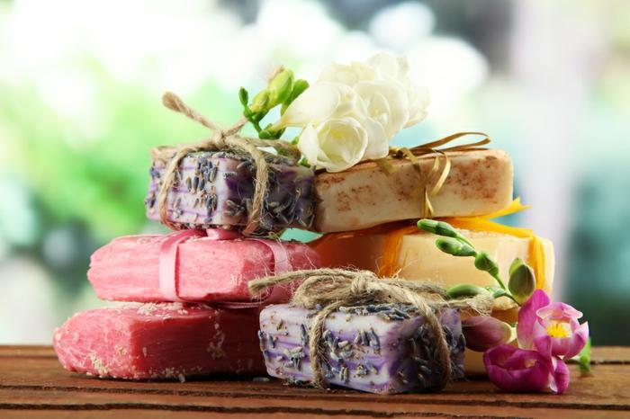 como hacer jabones artesanales de diferente diseño y aroma, ideas sobre jabones caseros con recetas