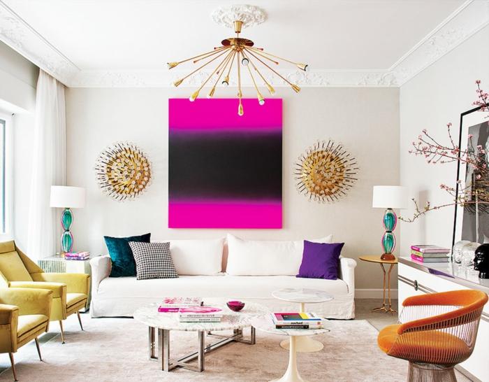 sofas pequeños, sala de estar con sofa blanco y triple asiento con cuadro grande en rosa y negro
