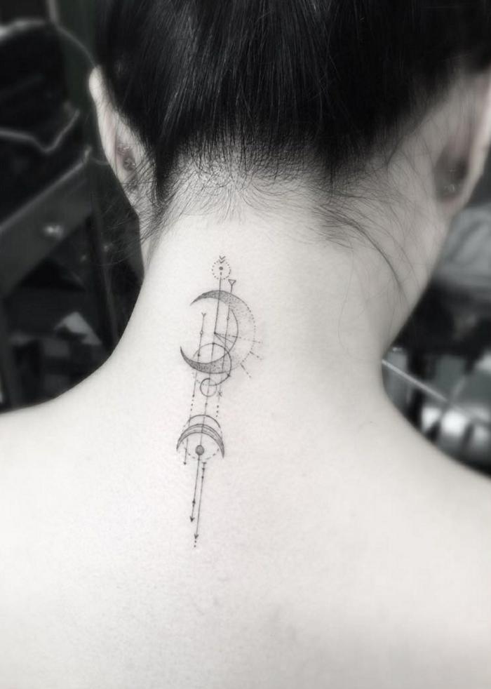 bonitas ideas de tatuajes con elementos geométricos, tatuaje en la nuca, tatuaje circulo