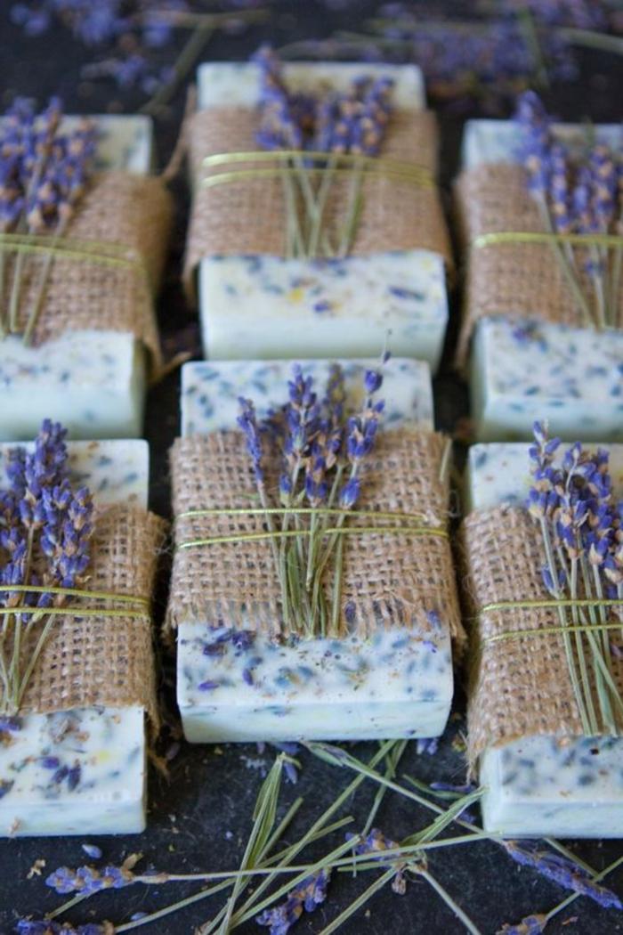como hacer jabones artesanales con aromas naturales, manualidades faciles para regalar