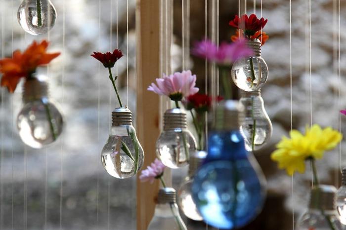 ideas de manualidades decoracion, bombillas colgantes decorativas con agua, preciosas ideas de proyectos decorativos DIY