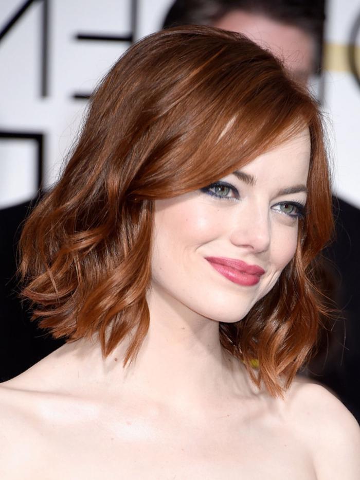 Emma Stone con media melena ondulada, peinados con ondas media melena, inspiración desde la alfombra roja
