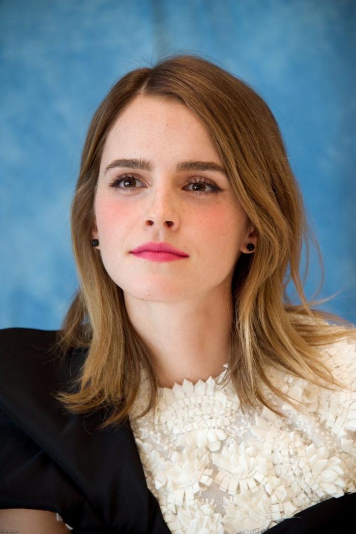 tendencias melena 2018, Emma Watson pelo rubio cortado en capas, tendencias peinados mujer