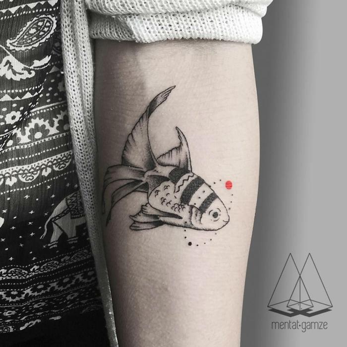 ideas tatuajes en el antebrazo con simbolismo, tatuajes familia simbolos ideas originales