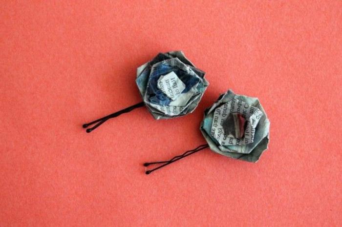 originales ideas de manualidades con material reciclado, como hacer detalles decorativos de papel periodico
