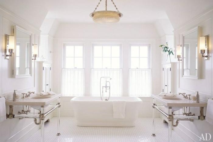precioso baño con decoración sofisticada en estilo vintage, decoracion cuartos de baño en blanco