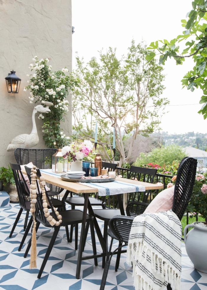 terrazas y jardines bonitos de tamaño pequeño, muebles de diseño y preciosa decoración