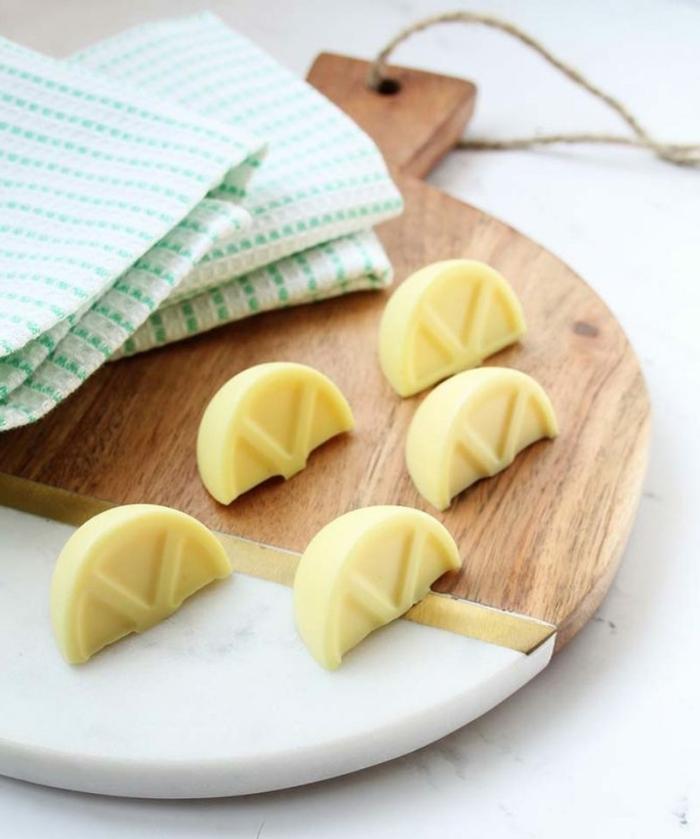 ideas sobre comó hacer jabón con limón, pequeños jabones de forma original, como hacer jabon con aceite