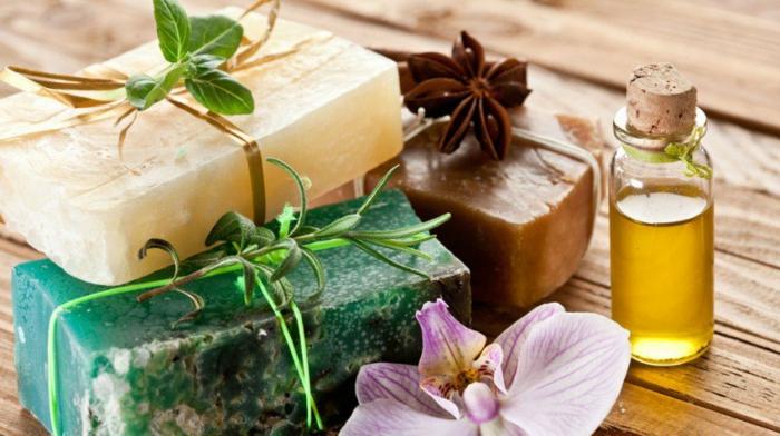 jabones naturales con glicerina y aceites naturales esenciales, detalles personalizados para regalar