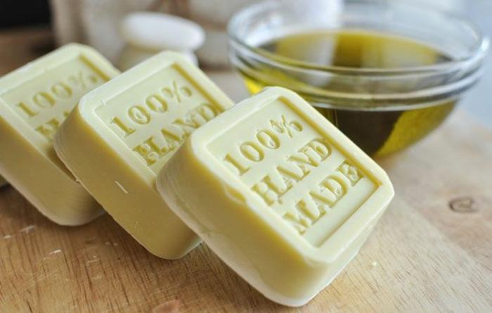 jabones naturales orgánicos hechos de aceite de oliva y base de glicerina, regalos personalizados ideas
