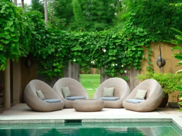 jardines pequeños, modernos y agradables, jardín con piscina y muebles de diseño, decoración de espacios exteriores