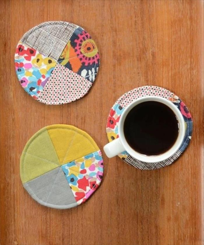 portatazas decorativas hechas con trozos de telas, manualidades faciles y rapidas para decorar el hogar