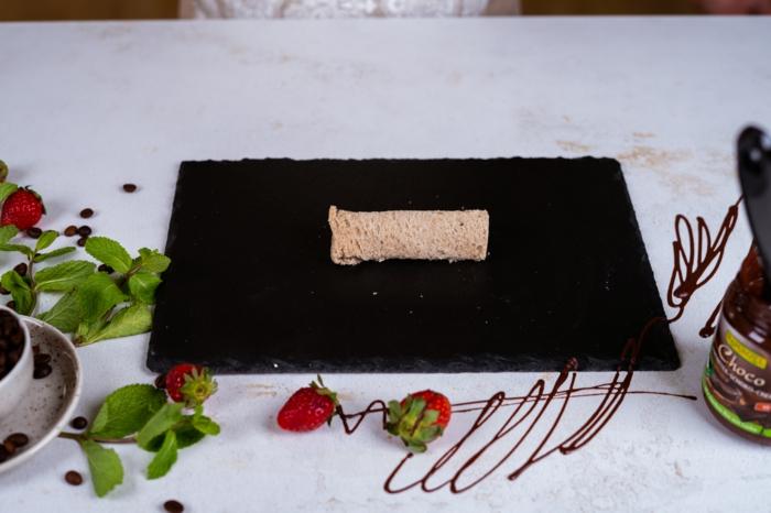 fantásticas ideas de ideas en cinco minutos para preparar para tu familia, rollos de pan integral con chocolate y platanos