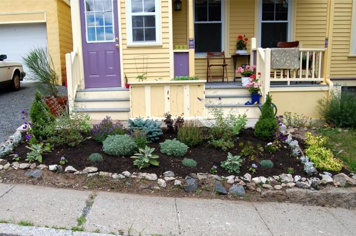 decoracion de jardines pequeños con arbustos pequeños y plantas suculentas, cómo maximizar el espacio en tu jardín