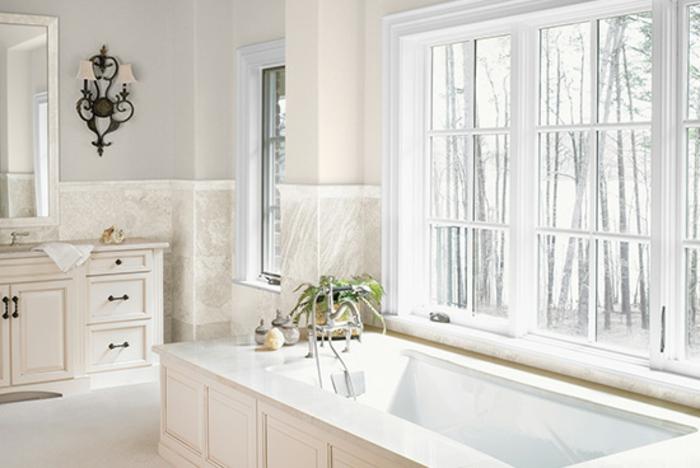 cuartos de baño fotos, baño vintage con bañera clásica, decoración en beige, color crema y gris claro