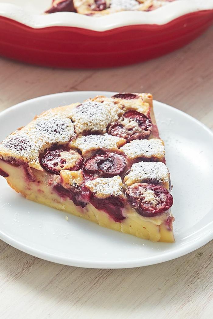 tarta de cerezas con hojaldre, ideas de postres con hojaldre y frutas, fotos de dulces y postres caseros ricos y sencillos