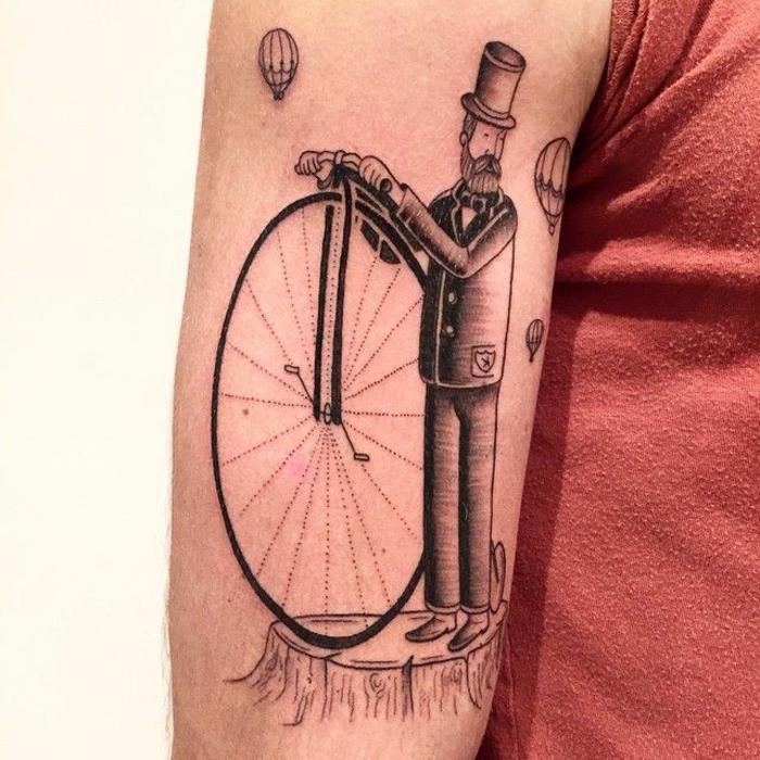 grandes tatuajes hombre, ideas tatuajes simbolicos con mensaje, hombre con grande rueda