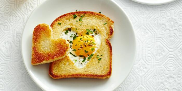 tostadas con huevo frito, ideas de desayunos faciles y rapidos paso a paso, simple y rico desayuno