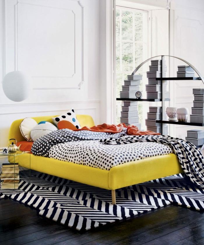 cómo decorar una habitación según las últimas tendencias 2018, detalles en blanco y negro y colores contrastantes