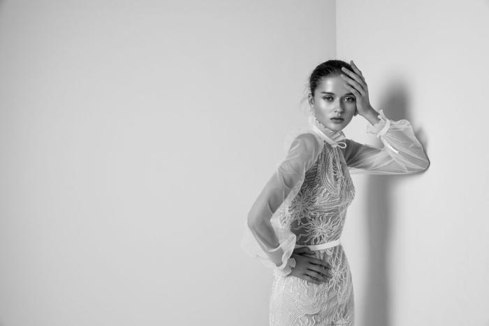 vestido largo corte sirena con largas mangas de tul transparente, fotos de vestidos de novia ibicencos