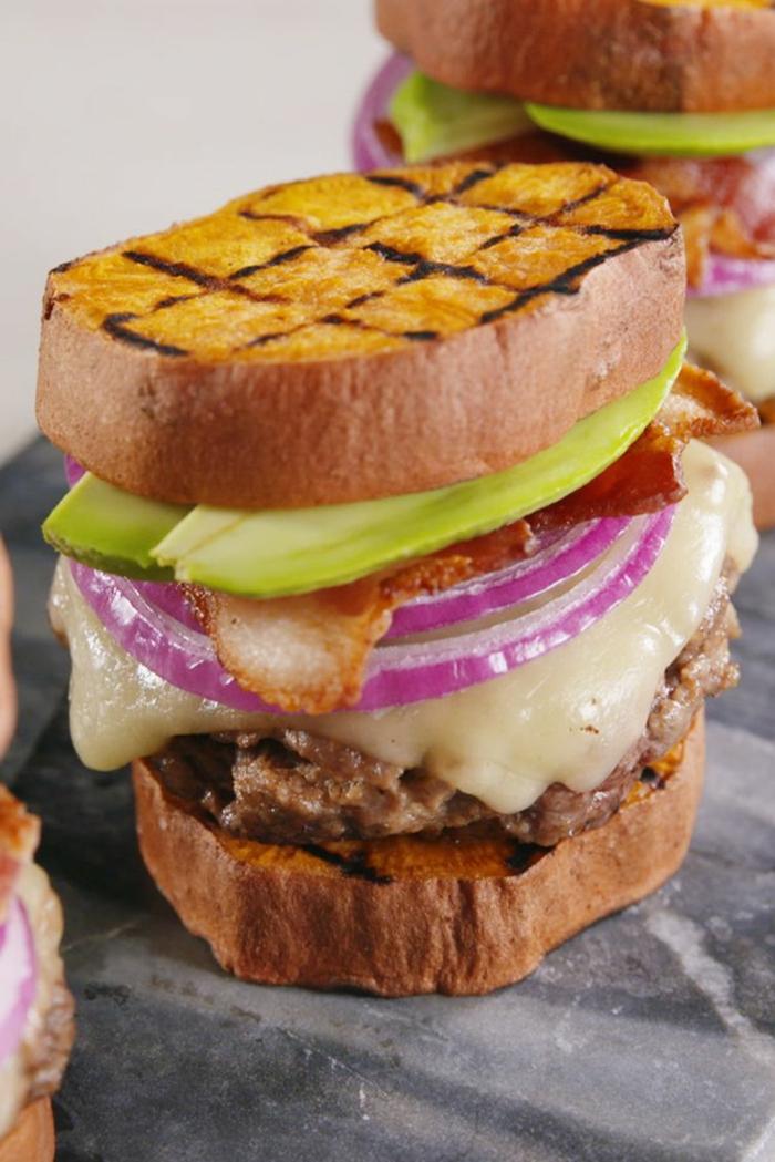 cómo preparar una hambuerguesa saludable con batatas a la parilla, comidas fáciles y sanas ideas originales