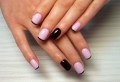 100 ideas fascinantes de uñas francesas decoradas según las top tendencias