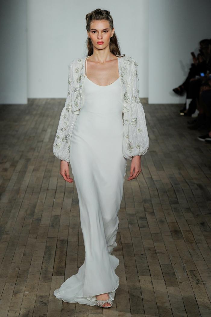 vestido largo de corte recto en color blanco nuclear, mangas con estampados, vestidos de novia ibicencos