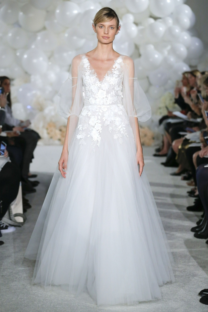precioso vestido de tul y encaje en blanco nuclear, ideas de vestidos de novia inspirados en la ropa ibicenca