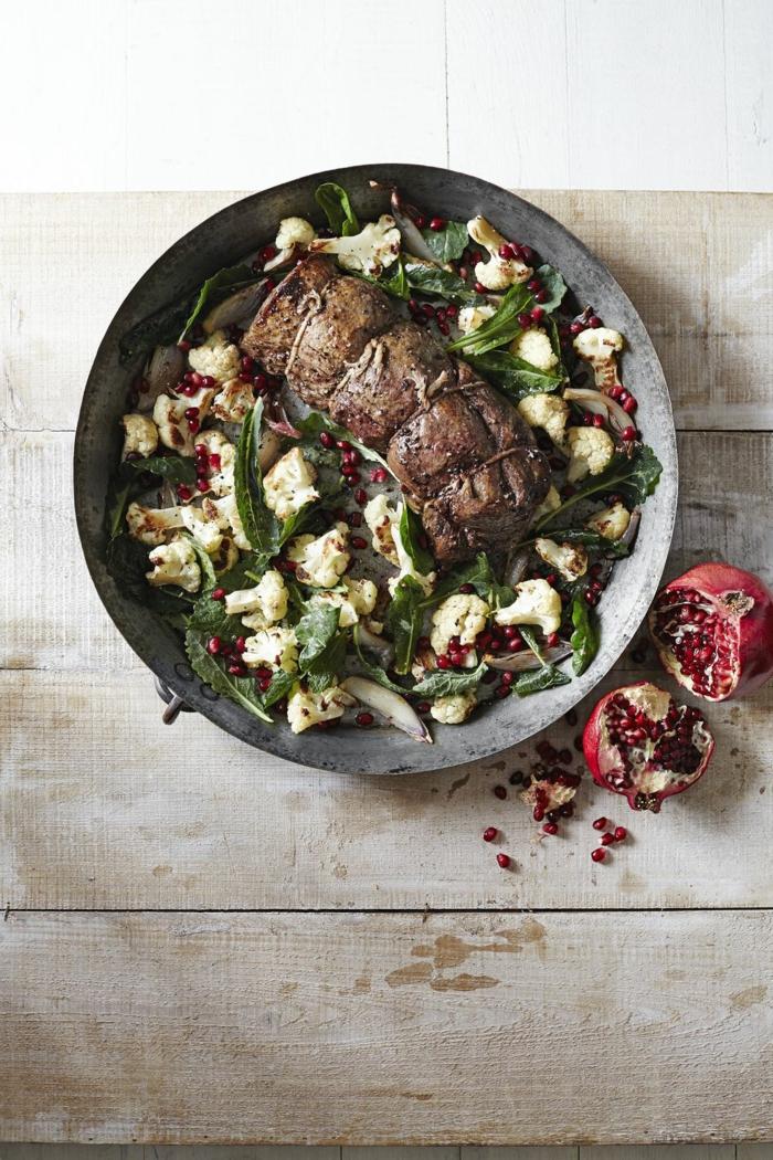solomillo de ternera con ensalada de coliflor y granada, propuestas de recetas faciles para cenas