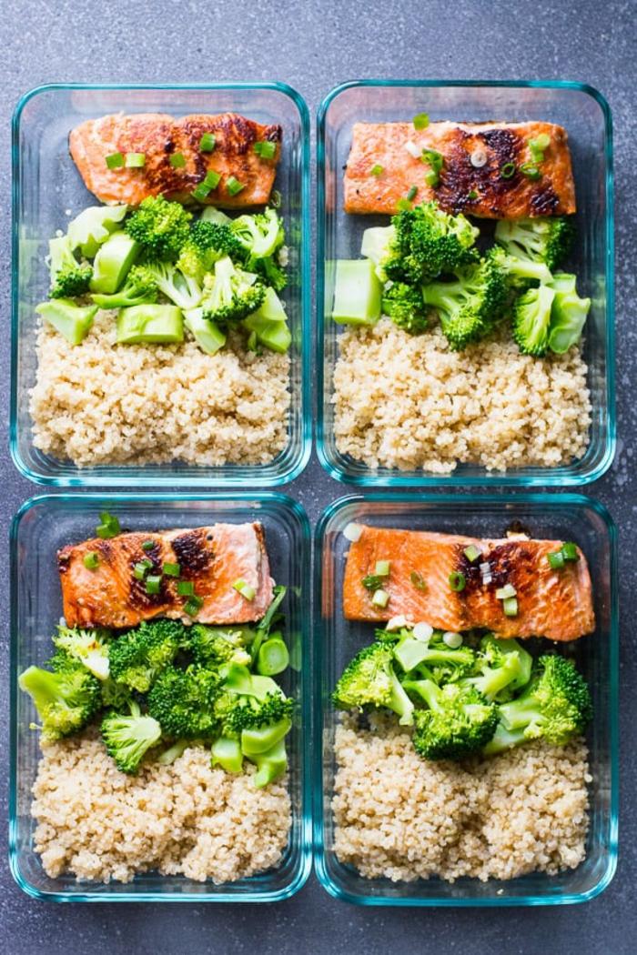 salmón a la plancha con brocoli cocidos y arroz marrón, ideas de recetas de cenas ligeras y rapidas