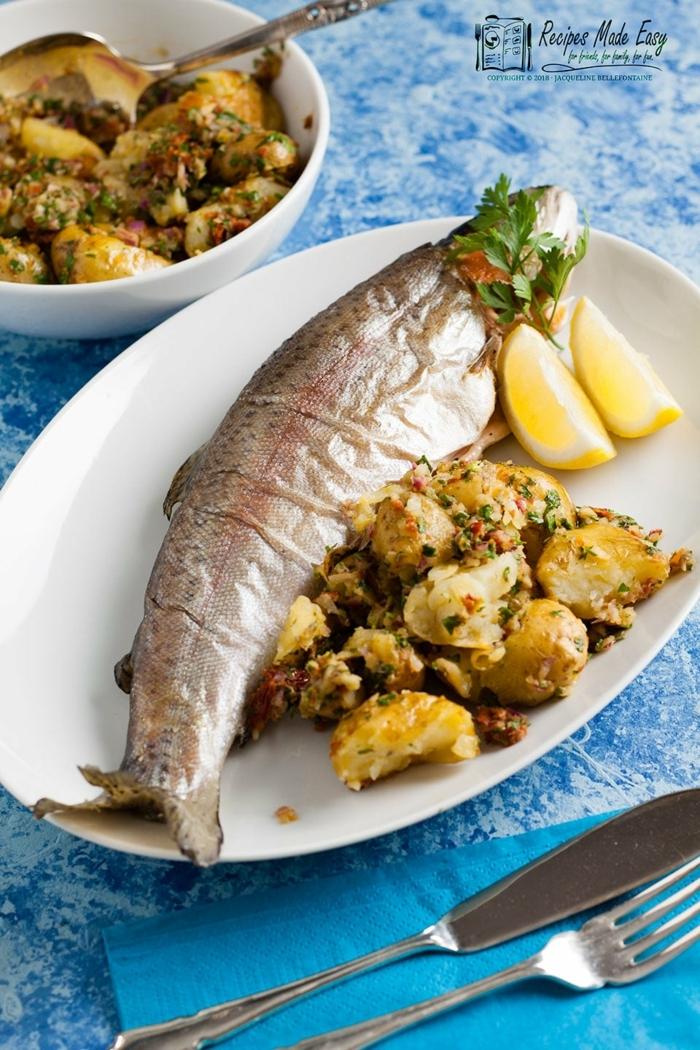 trucha cocida al horno con patatas con ajo, propuestas ricas de cenas rapidas y faciles
