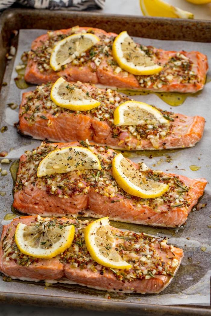 filetes de salmón al horno con ajo y especias, recetas faciles para cenas para un menú saludable