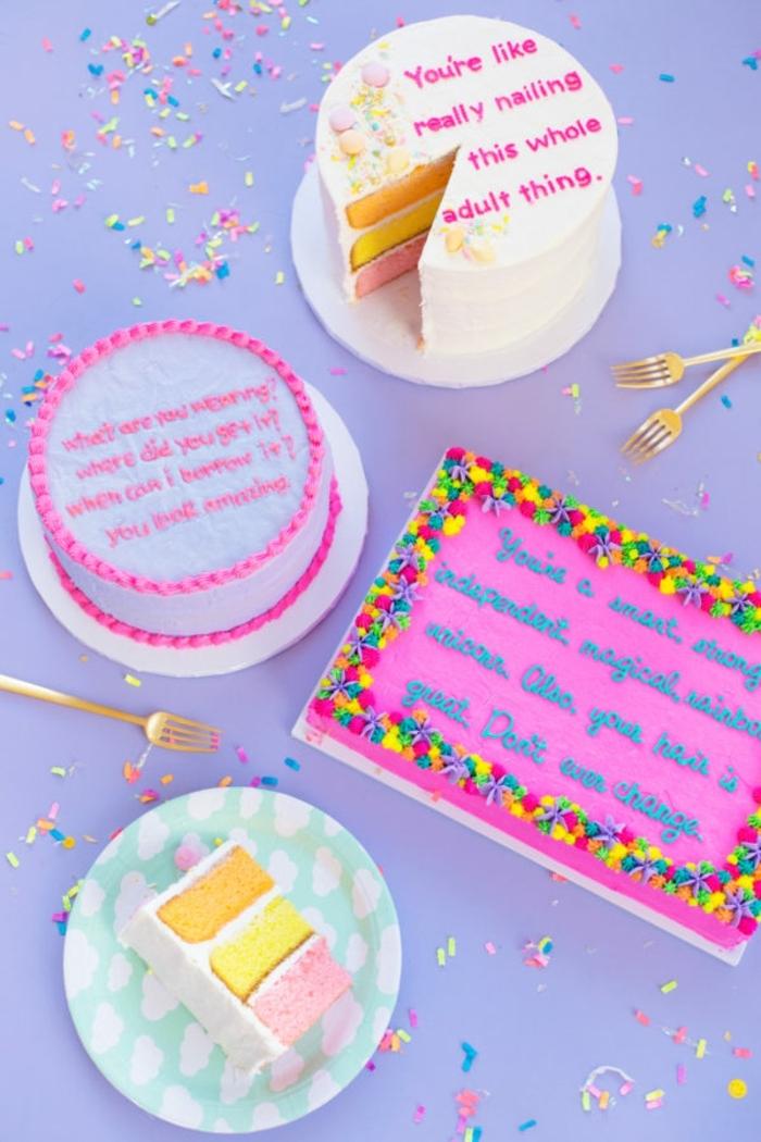 ideas super monas de regalos originales para amigas, tarta sorpresa con mensaje colorido