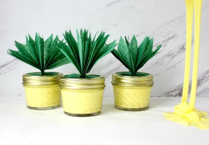 manualidades con slime, ideas sobre como hacer slime sin borax, frascos de vidrio llenos de slime