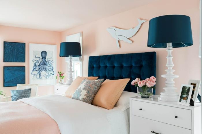 habitacion matrimonio super moderna decorada en rosado crema y azul oscuro, cama con cabecero en capitoné
