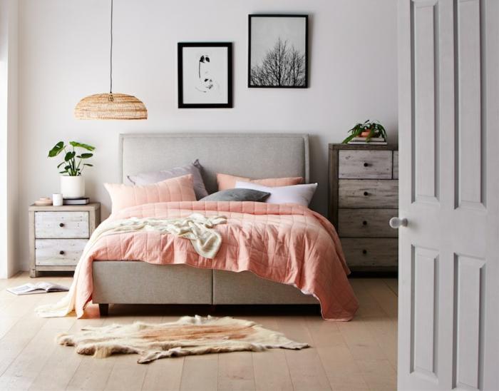 ideas para decorar un dormitorio matrimonio, habitacion matrimonio en beige con cuadros decorativos en la pared