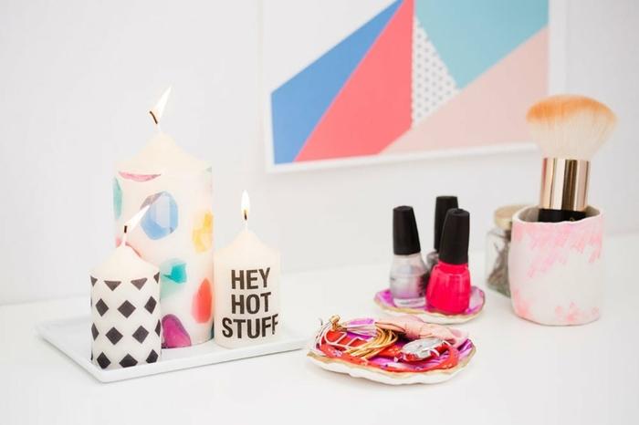 bonita decoración casera con velas, sorpresas de cumpleaños para amigas ideas creativas