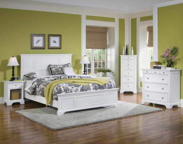 decoracion de habitaciones matrimoniales con paredes en verde con elementos de decoración en blanco