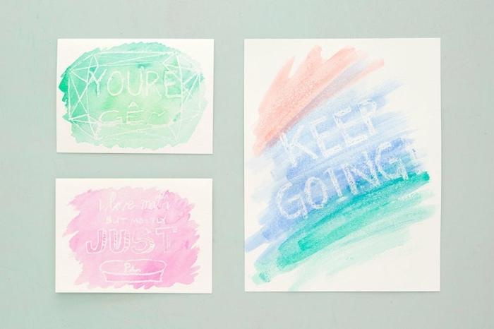 ideas para regalar a una amiga, mensajes de motivación dibujados con crayons y acuarelas