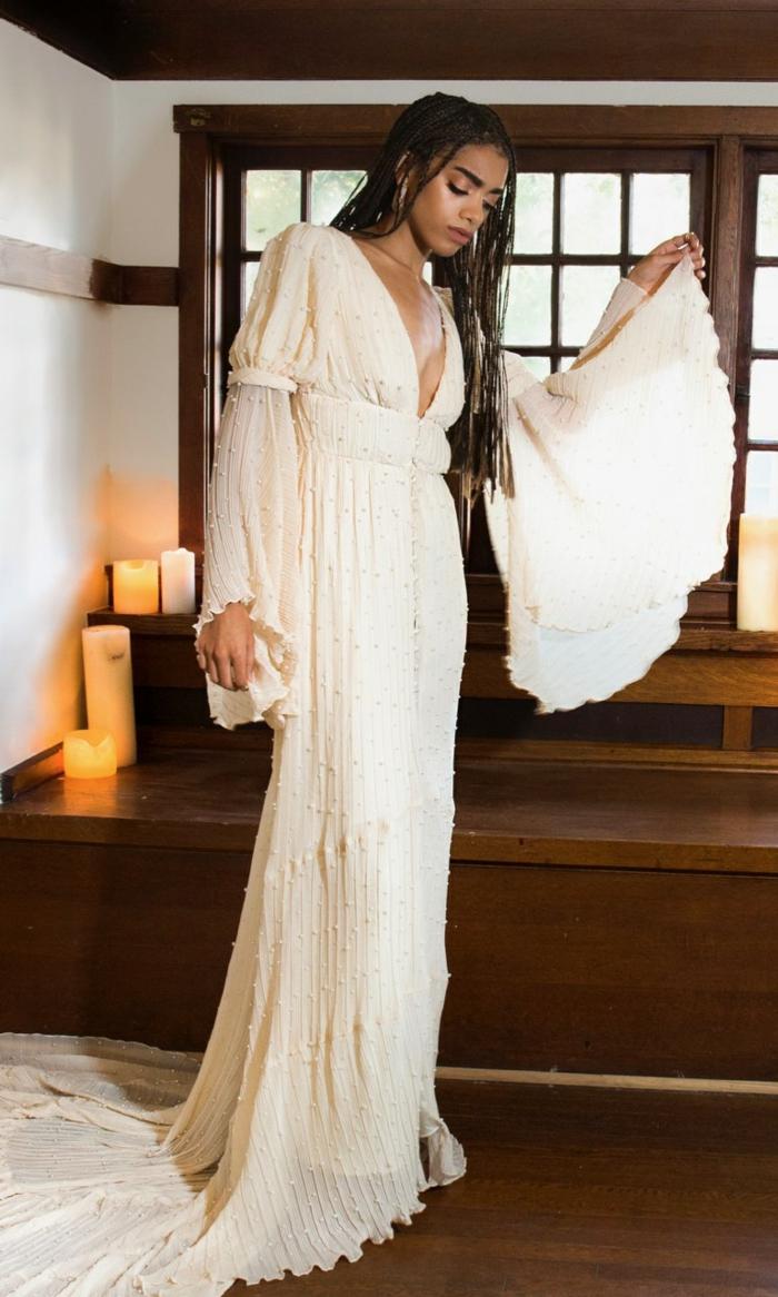 vestidos ibicencos para boda ejemplos extravagantes, larga falda de algodón y mangas acampanadas de tul