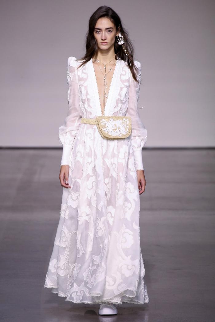 diseño super moderno ropa ibicenca mujer para novias, vestido color blanco nuclear con escote muy abierto