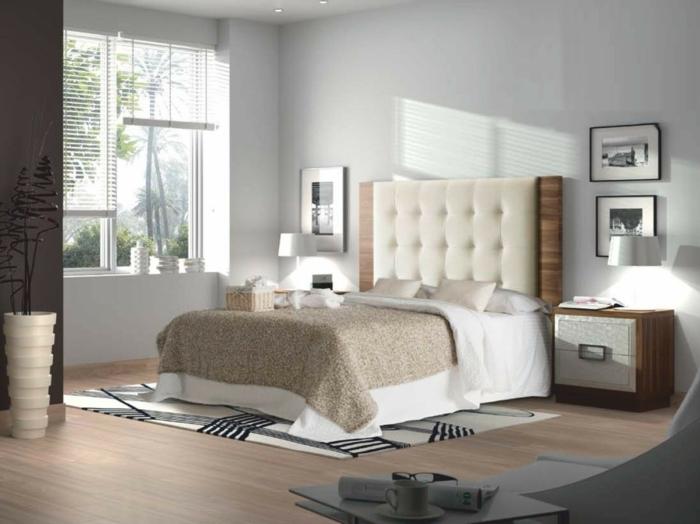 dormitorio matrimonial con paredes claras y con ventana grande con persianas, alfombra en blanco, gris y negro