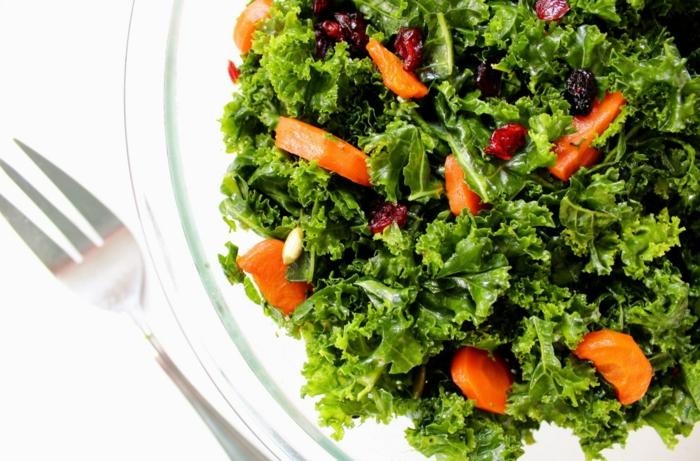ensalada verde con tomates y moras, ideas para recetas faciles y rapidas para comer