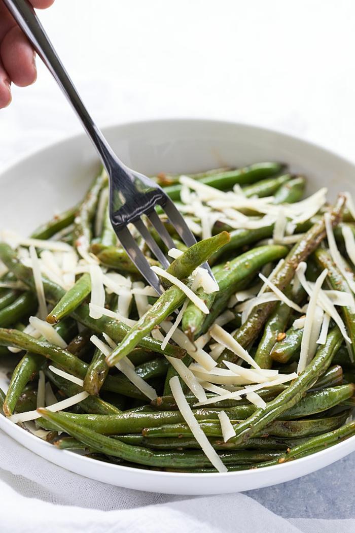 judías verdes cocidos con espárragos, ensaladas ricas y nutritivas, ideas de comidas fáciles y sanas