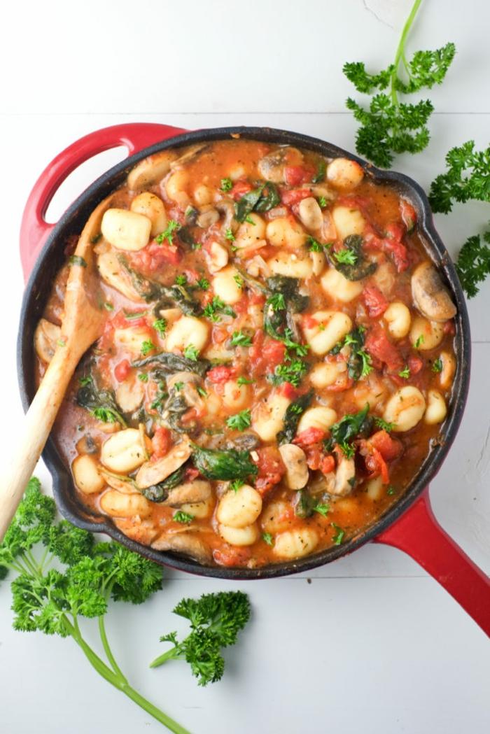 gnoci con salsa de tomate, ideas de recetas super ricas de la cocina internacional en fotos