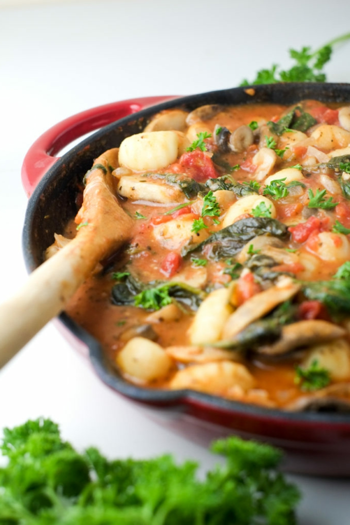 comidas faiciles y sanas ideas originales, gnoci en salsa de tomate, recetas bajas en calorias