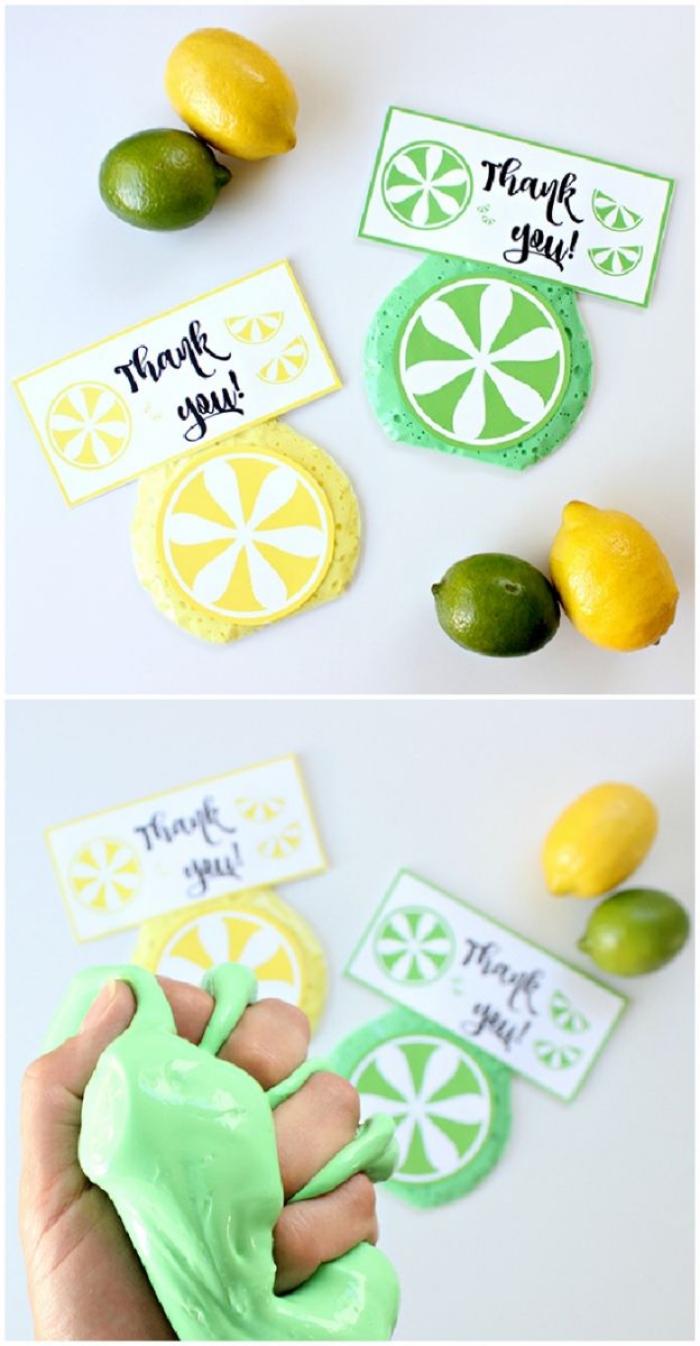 detalles con slime para regalar, como hacer slime sin borax y pegamento en color verde y amarillo